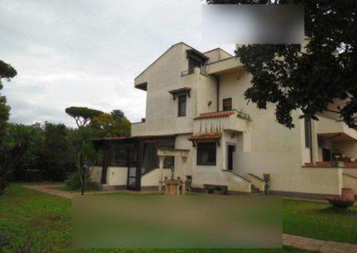 Villa all'asta via Fidia 9, Roma